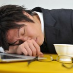 【在宅ワーク】正しい昼寝の方法と注意点