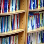 電子書籍を嫌いな私が電子書籍を買うのは本棚がだらしないから