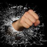 デキる人は組織で働くと損をする。「要領よくサボる」が正義なんて受け入れられない
